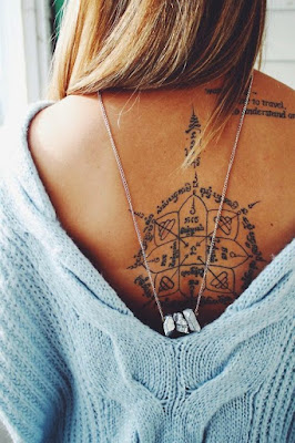 tatuaje delicado espalda