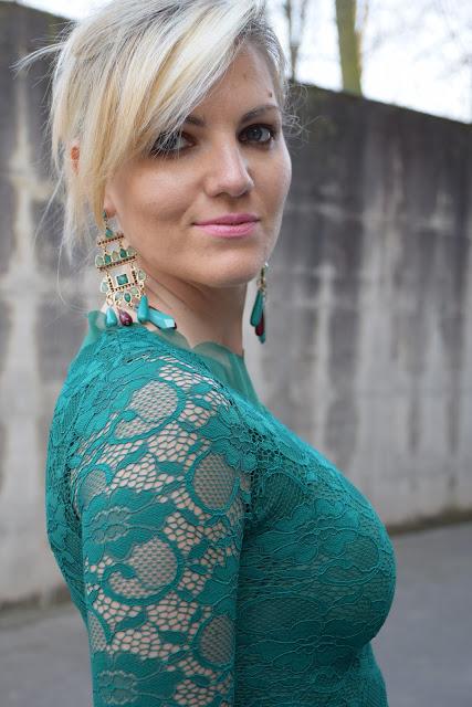 mariafelicia magno fashion blogger colorblock by felym fashion blogger italiane blog di moda outfit primaverili outfit marzo 2017 maxi orecchini orecchini verdi