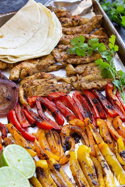 healthy-20-minute-chili-lime-sheet-pan-chicken-fajita-recipe