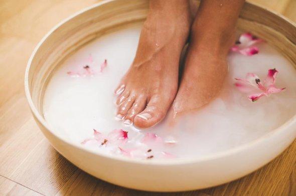 Foloseste doua ingrediente din bucatarie pentru a avea picioare mai frumoase