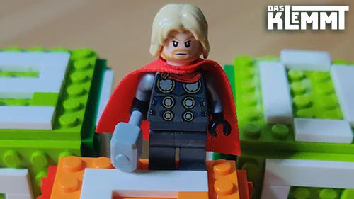 LEGO® Minifigur Thor - www.dasklemmt.de