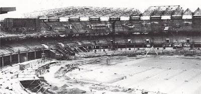 Stadion Utama Gelora Bung Karno saat masih dalam tahap pembangunan untuk Asian Games 1962 di Jakarta (goodnewsfromindonesia.id)
