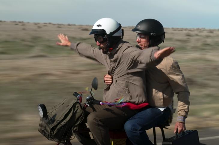 Dos amigos recrean el viaje en moto de Dumb & Dumber