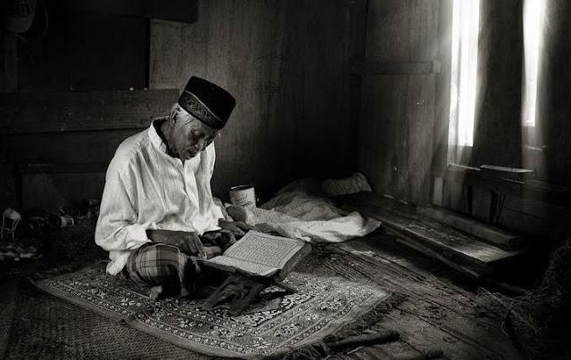Kisah Semangat Mondok Pak Tua Yang Menjadi Inspiratif Santri Zaman Now