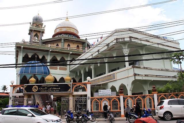 Thailand   Mudahnya mendapatkan makanan halal di Phuket