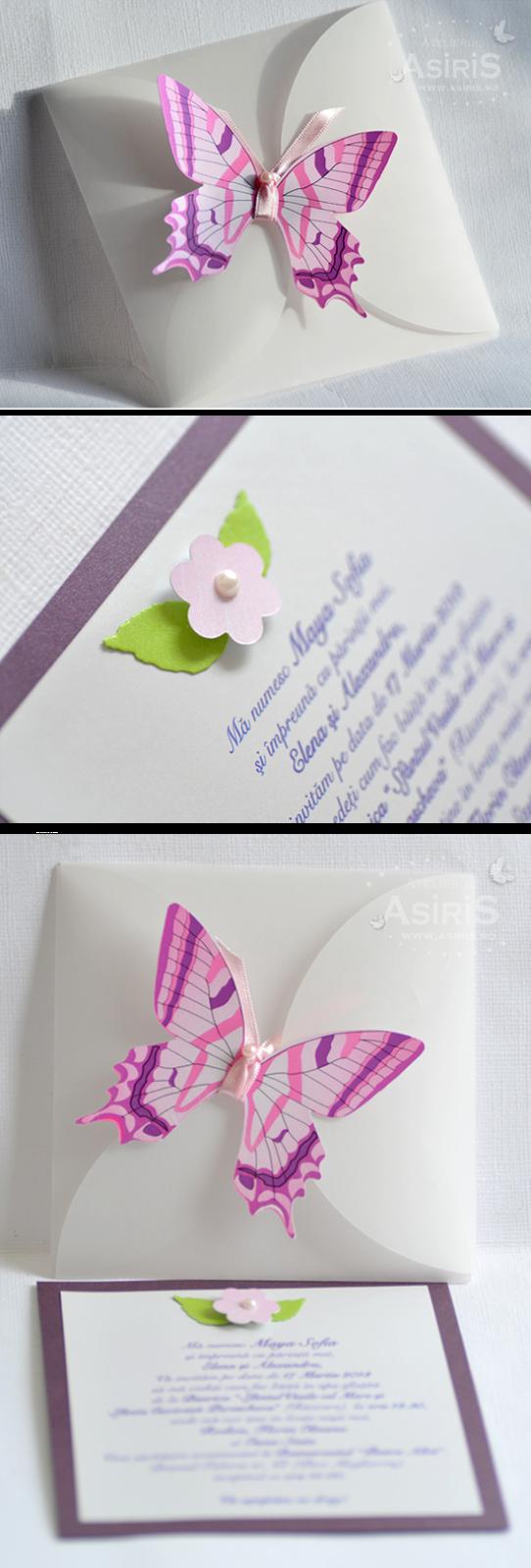 Invitatii de botez pentru fetita cu fluturas compuse din plic din calc decorat cu fluturas, invitatie carton mov si alb sidefat decorata in relief cu floare roz si frunze decupate