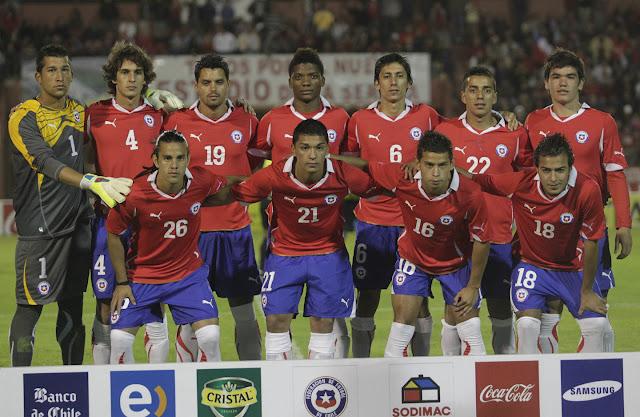 Formación de Chile ante Paraguay, amistoso disputado el 21 de diciembre de 2011.