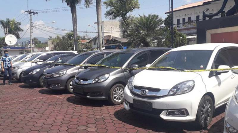 Ibu Rumah Tangga Jadi Otak Penggelapan 20 Mobil Rental di Bandung