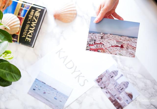 zdjęcia na stole