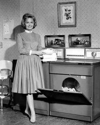 Publicity Photo of Donna Reed as Middle-Class Housewife Donna Stone in The Donna Reed Store