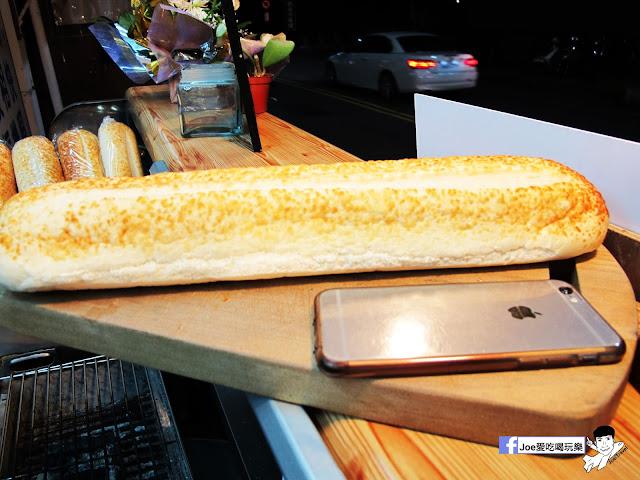 IMG 4956 - 【熱血採訪】NickJu 尼克啾 碳烤法式三明治 位於中國醫附近的尼克啾 NickJu 主打法式三明治,把餐廳所用的食材搬到街頭,讓客人用平價價格吃到高檔美味