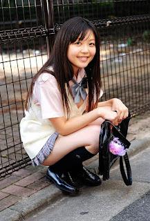 natsumi minagawa sexy schoolgirl outfit 01