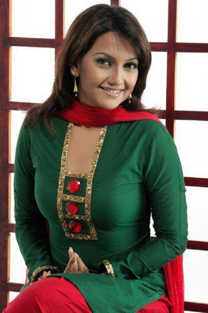 Nowshin Bangladeshi Actress Cricket Lover