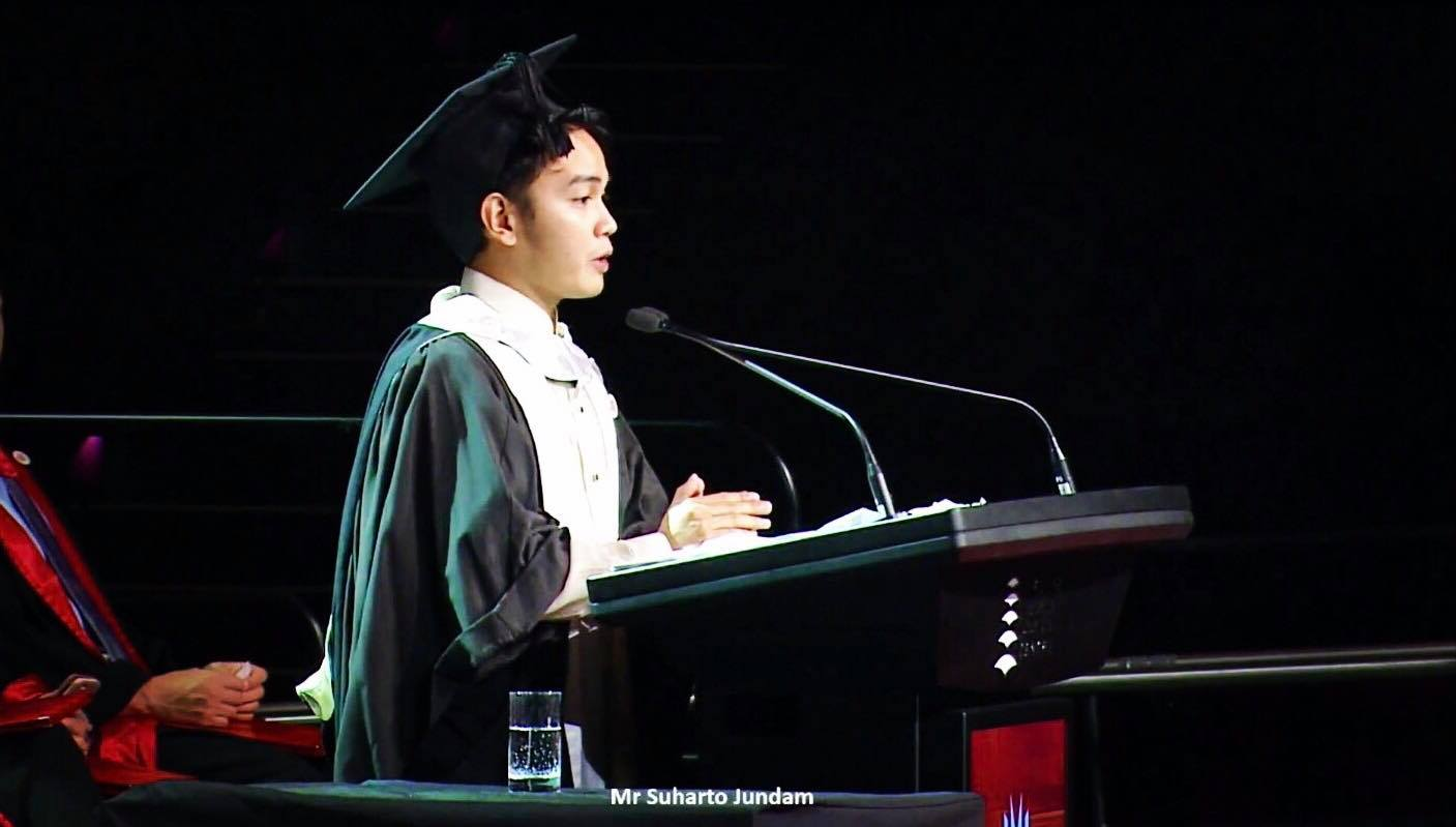 Board topnotcher in the Philippines becomes toilet cleaner in Australia