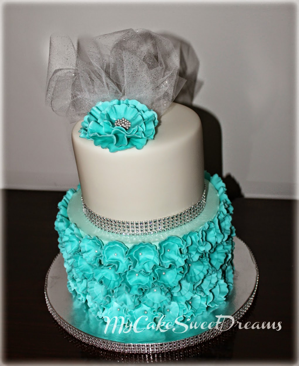Quotmy cake sweet dreamsquot bridal shower cake cupcakes for Cakes for wedding showers