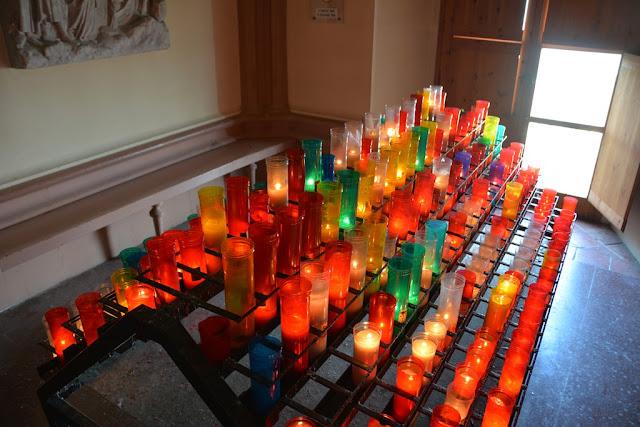 Santa Cova Montserrat candles