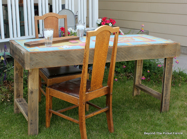 reclaimed wood, table, metal, vintage, rusty, http://bec4-beyondthepicketfence.blogspot.com/2015/06/vintage-game-table.html