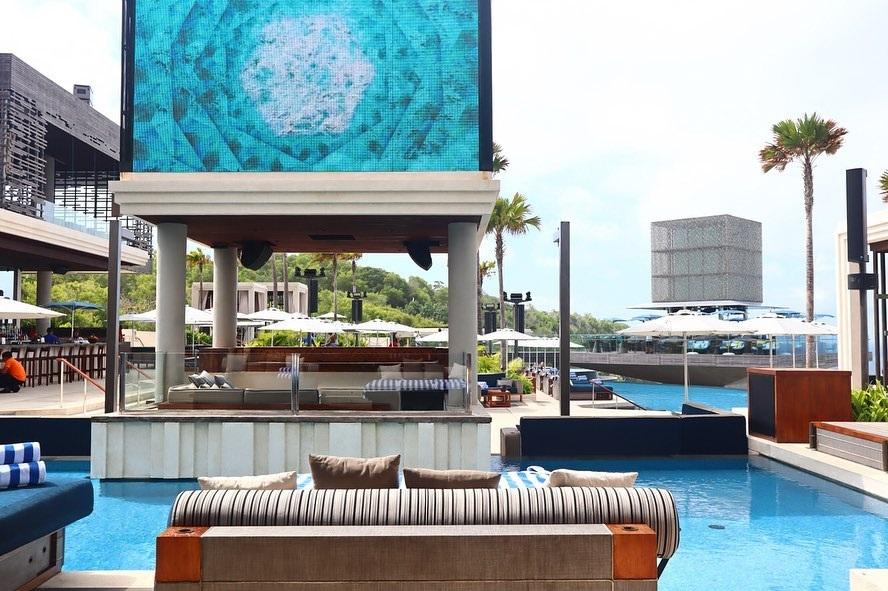 Tempat Nongkrong Bali Hits OMNIA Dayclub