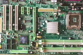 Gejala Kerusakan motherboard dan Cara Mengatasinya