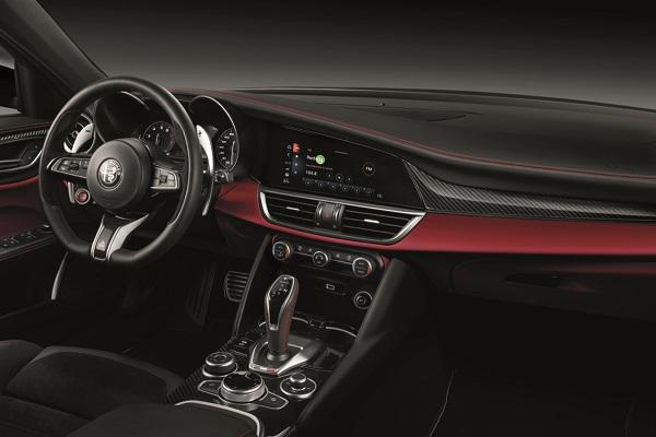 Interior Alfa Romeo Giulia QV 2020