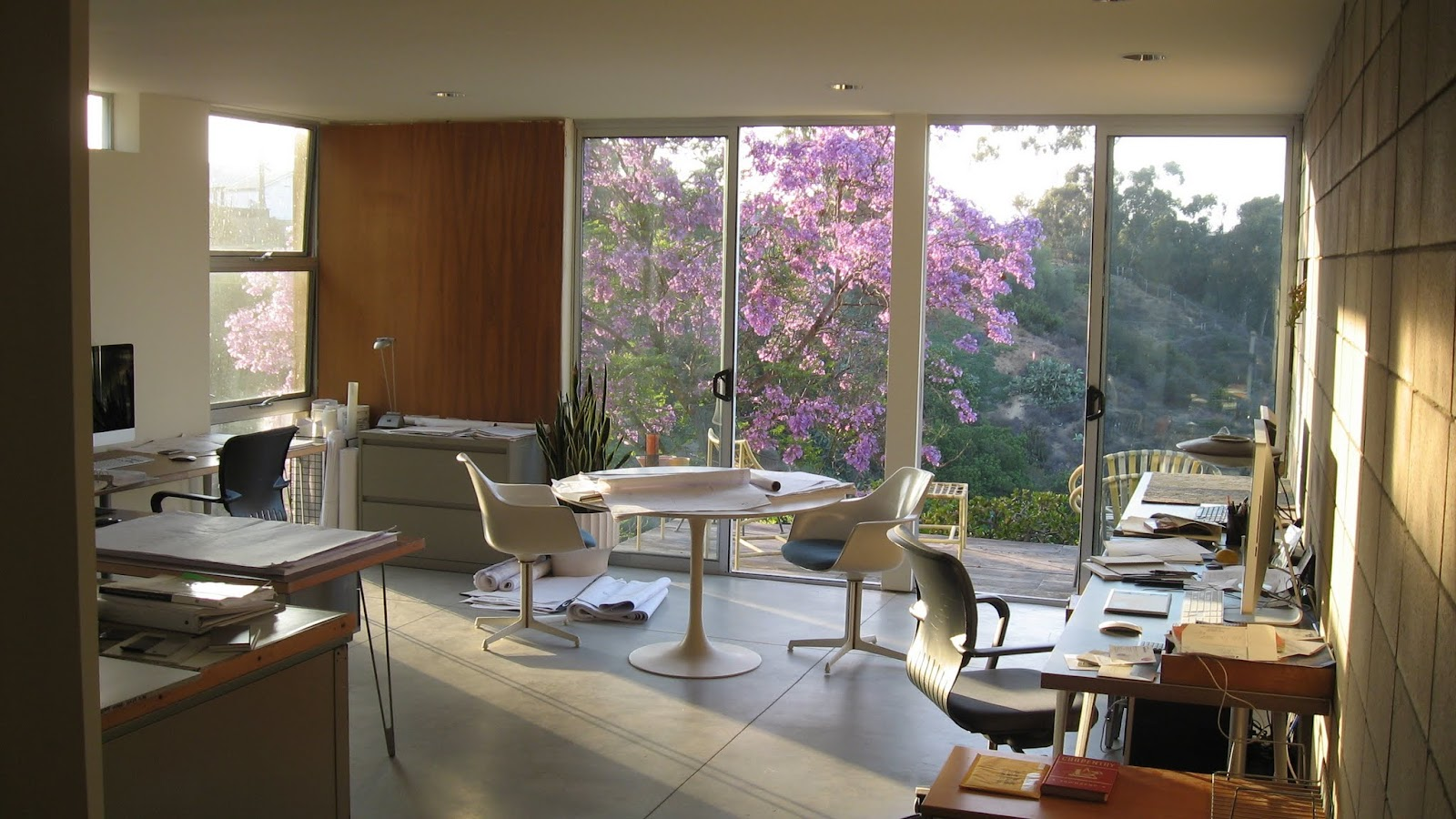 How Similar Are 21st Century Modern And Mid Century Mid