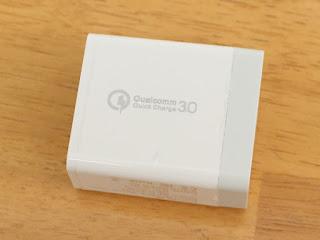 QC3.0 壁充電器 3ポート スマホ折り畳み式USB急速充電(Quick Charge 3.0 、iSmart出力自動判別 Galaxy S8 / Plus / S7 / Edge/iPhone/iPad スマホ タブレット モバイルバッテリー 等対応