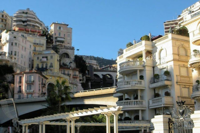 Nice to Monaco by Bus: The streets of Monte Carlo