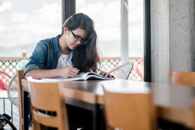 विद्यार्थियों को कैसे पढाई करनी चाहिए? /How should students study?