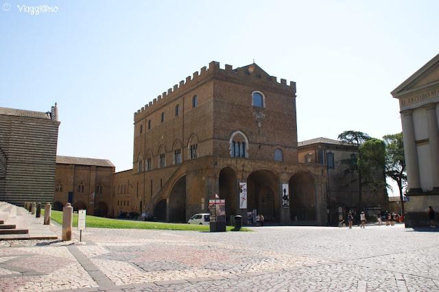Il Palazzo Soliano ospita il Museo Emilio Greco