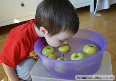 New apple activities. Игры с яблоками, рисунки, поделки, сенсорная коробка, яблоки в карамели.