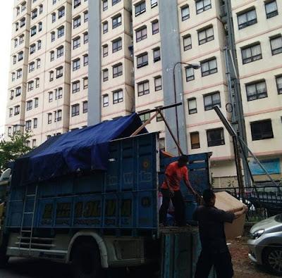 Sewa truk pindahan rumah Blitar Jakarta