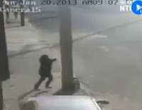 شاهد بالفيديو  كيف  نجو اشخاص من الموت محقق