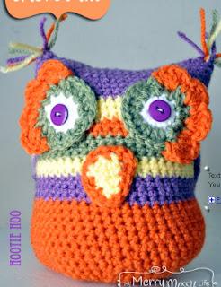 http://translate.google.es/translate?hl=es&sl=en&tl=es&u=http%3A%2F%2Fmymerrymessylife.com%2F2012%2F10%2Fcrochet-owl-lady-amigurumi-free-pattern.html