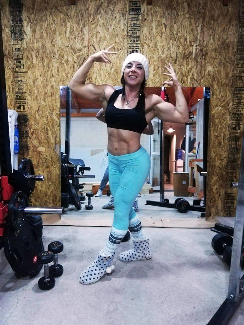 Lorena Garrido entrena con gorro y pantuflas para su máximo desafío