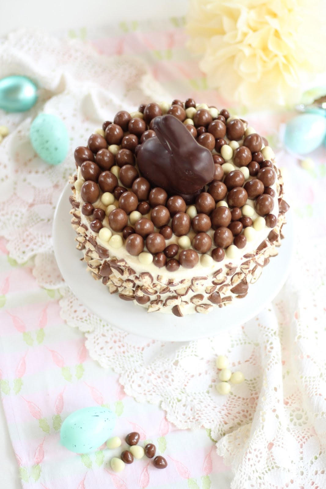 Schoko-Bon-Torte / Ostertorte mit Nussboden und Schoko-Bon-Creme
