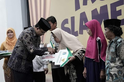Usai Tangani Banjir, Anies Urus Dhuafa Jakarta