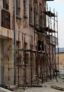 Ever more scaffold