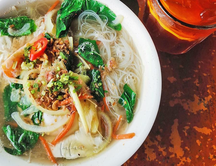 Makan Mee Goreng Udang Galah di D'Muara Seafood Kuala Tatau Lagi