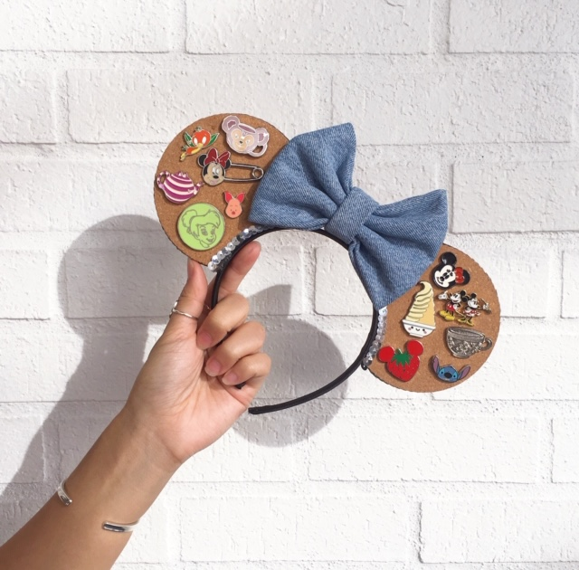 Lindsey Gaughan is the founder and creator of Best Day Ever Ears Co. and makes Minnie ears.