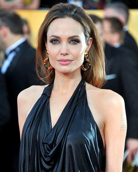 Hollywood-Actress-Angelina-Jolie-2