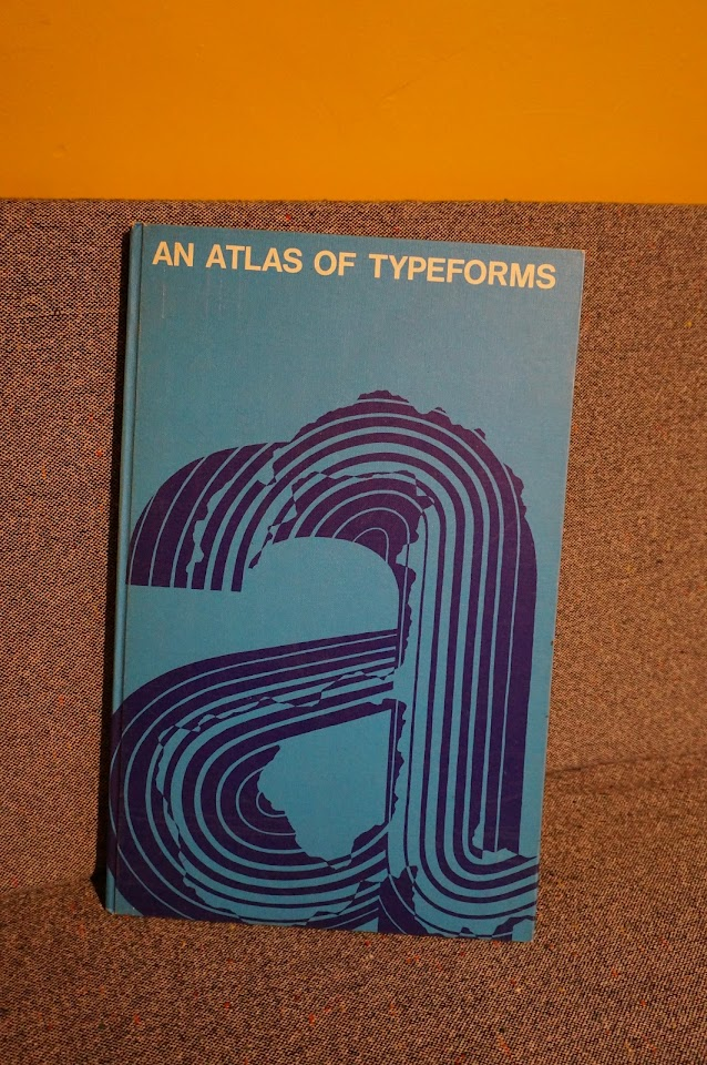 un livre de typographie de 1968 an atlas of typeforms