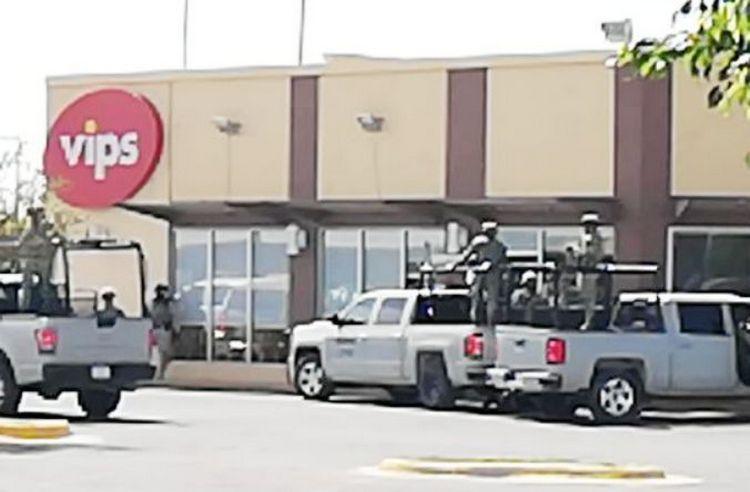 """Elementos de la FGE y SEMAR agarran a """"El Tortuga"""" jefe de plaza del CSRL junto a tres marinos en Guanajuato, 12 sicarios más detenidos"""