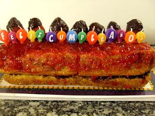 5º cumpleaños de Paprika en la cocina.