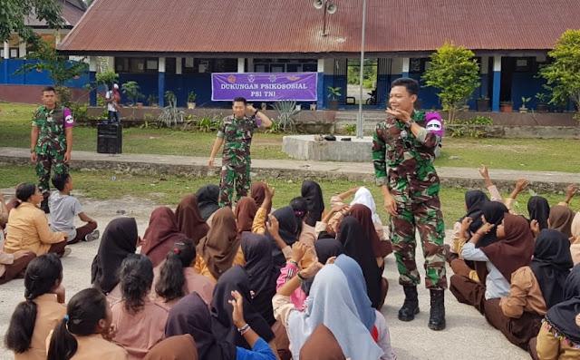 Tim Psikologi TNI Bantu Dukungan Psikososial kepada Siswa di Sigi