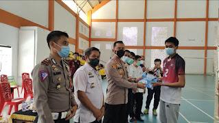 Tetap Semangat, Kapolres Enrekang Dukung Penuh Atlet Bola Volly Kabupaten Enrekang