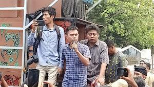 Masyarakat Lombok Tengah Demo Tolak Perubahan Nama BIL Jadi BIZAM