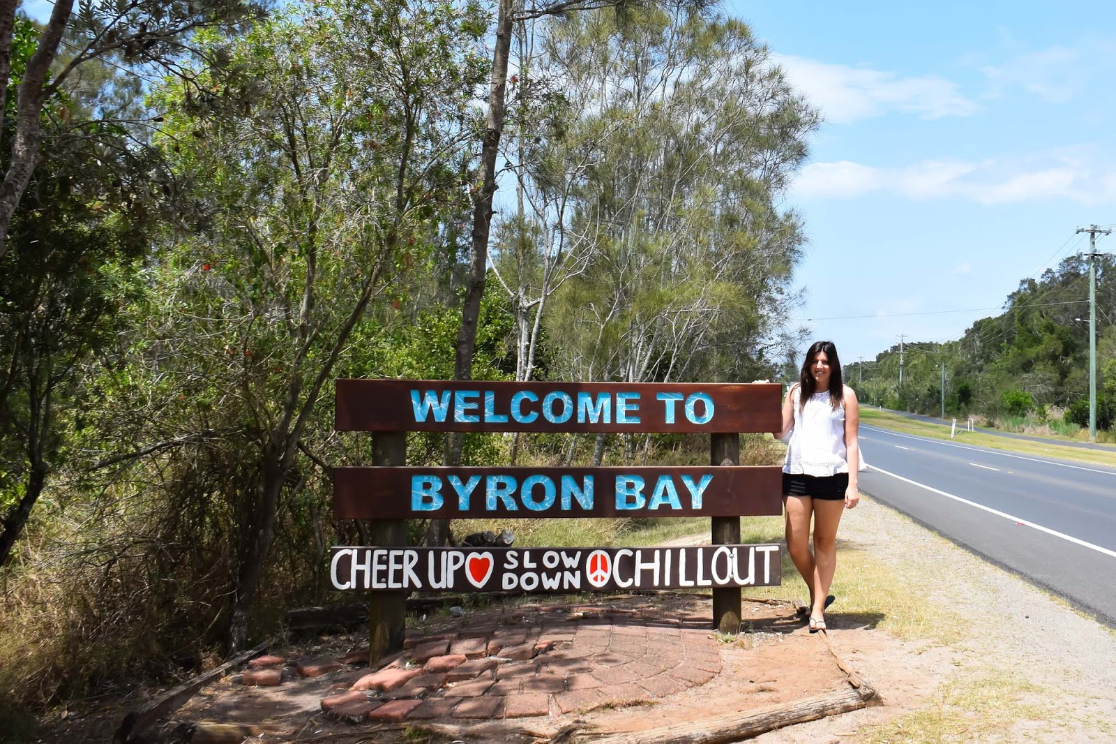 welcome to byron bay sign