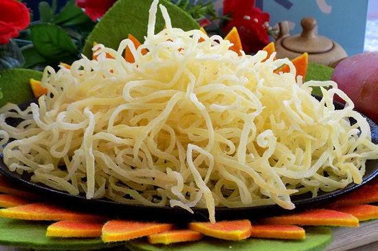 Cách làm mứt khoai tây sợi