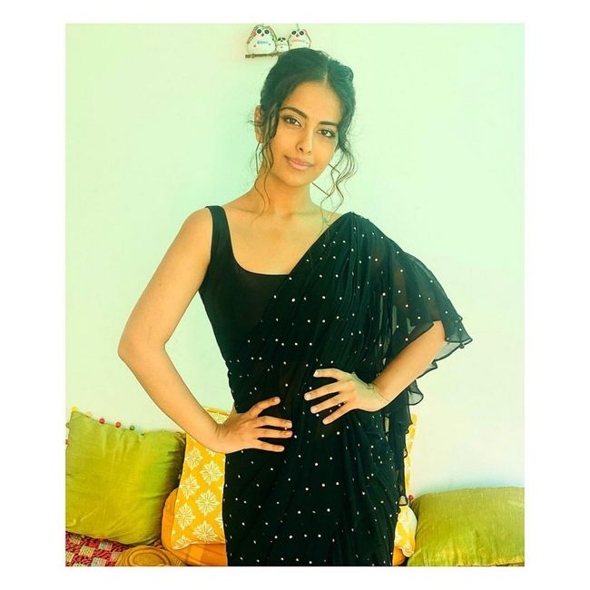 Actors Gallery: Avika Gor Adorable Poses Pics