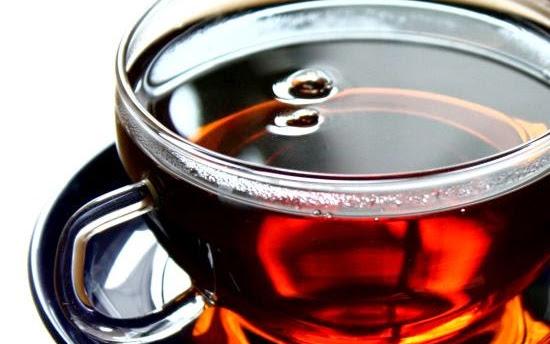 O piciu herbaty i sile kobiet - Czytaj więcej »